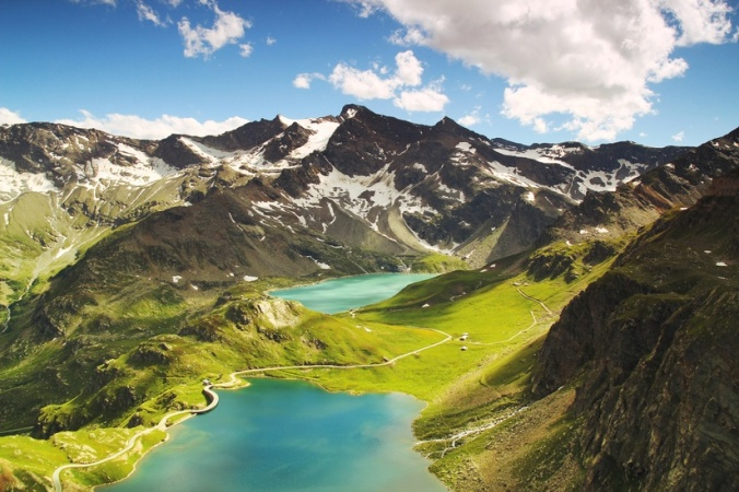 italian-landscape-mountains-nature-large